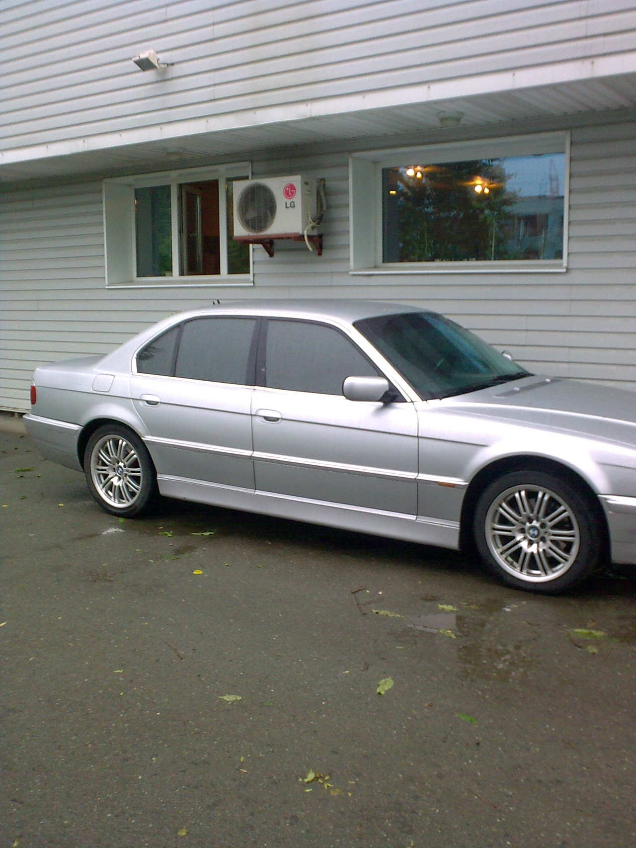 BMW 7 series 750i 1999 photo - 11