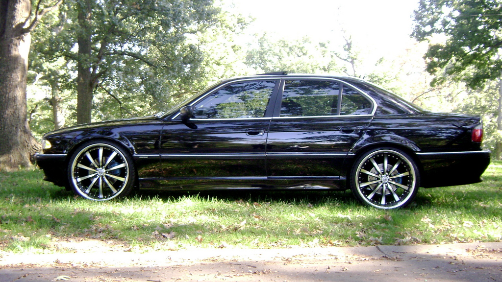 BMW 7 series 750i 2001 photo - 9