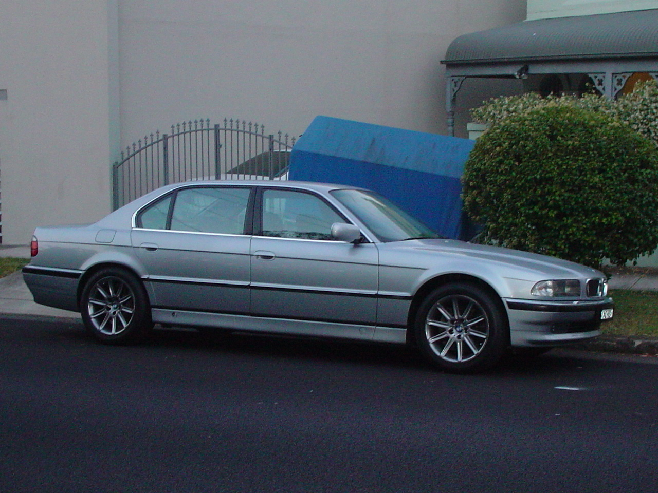 BMW 7 series 750iL 1996 photo - 1