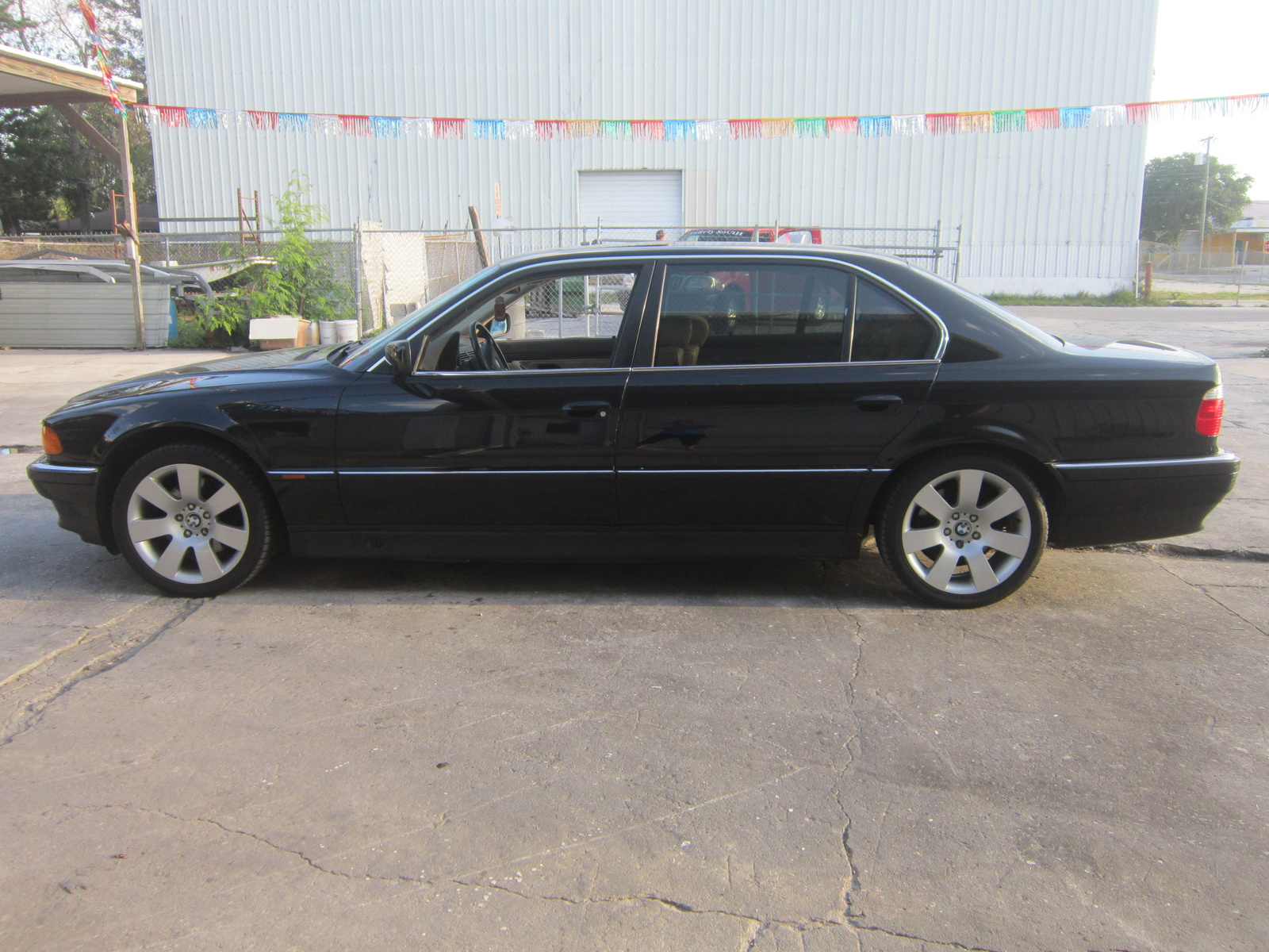 BMW 7 series 750iL 1996 photo - 4