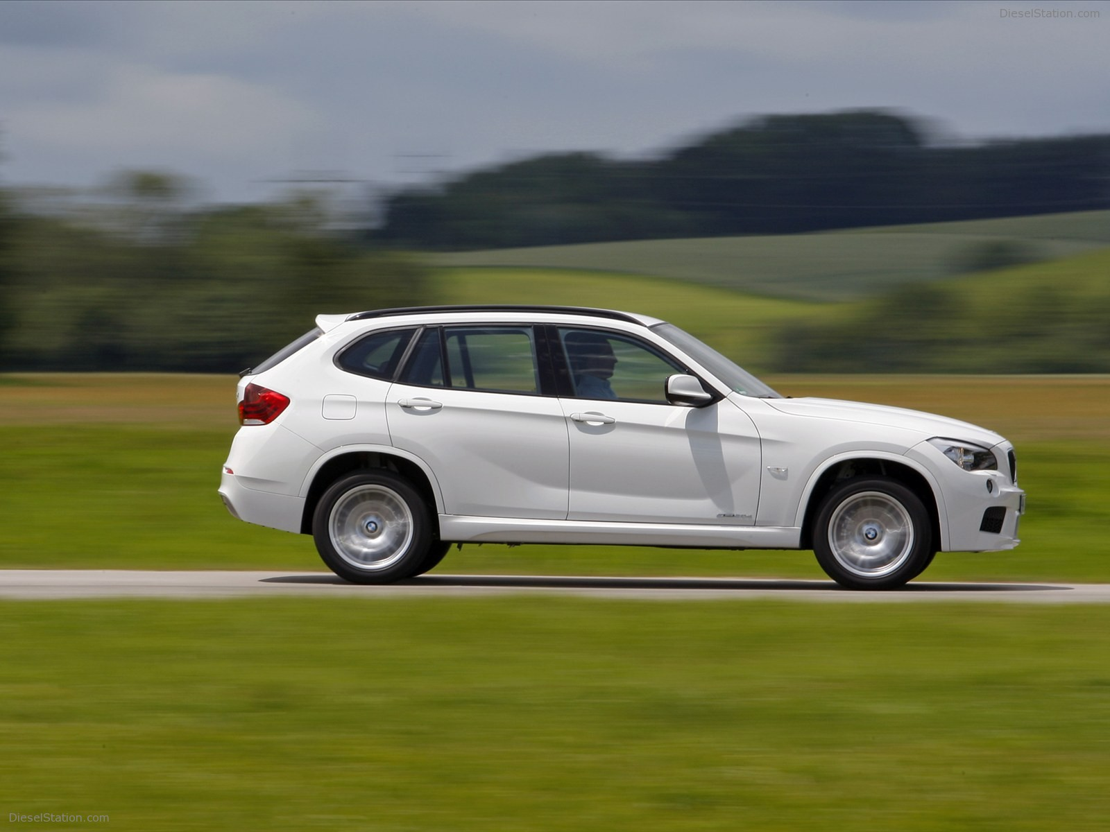 BMW X1 xDrive25i 2012 photo - 3