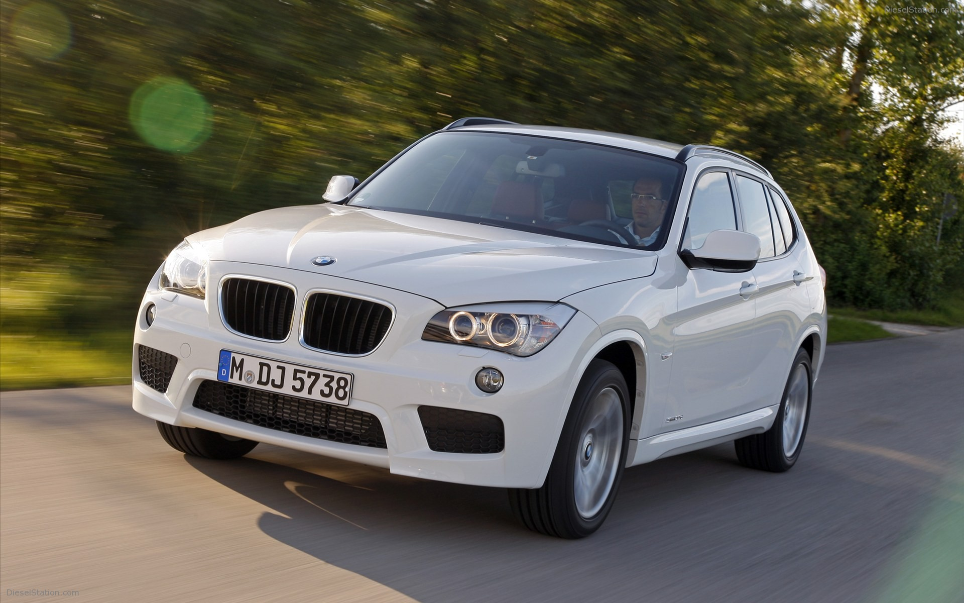 BMW X1 xDrive25i 2012 photo - 7
