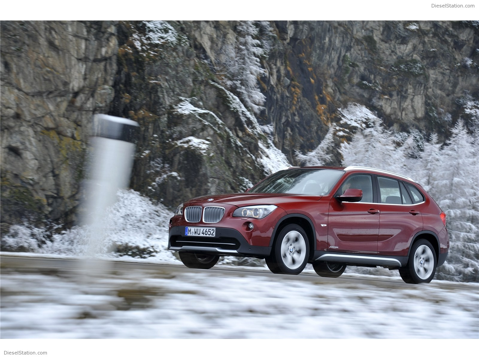 BMW X1 xDrive28i 2011 photo - 2