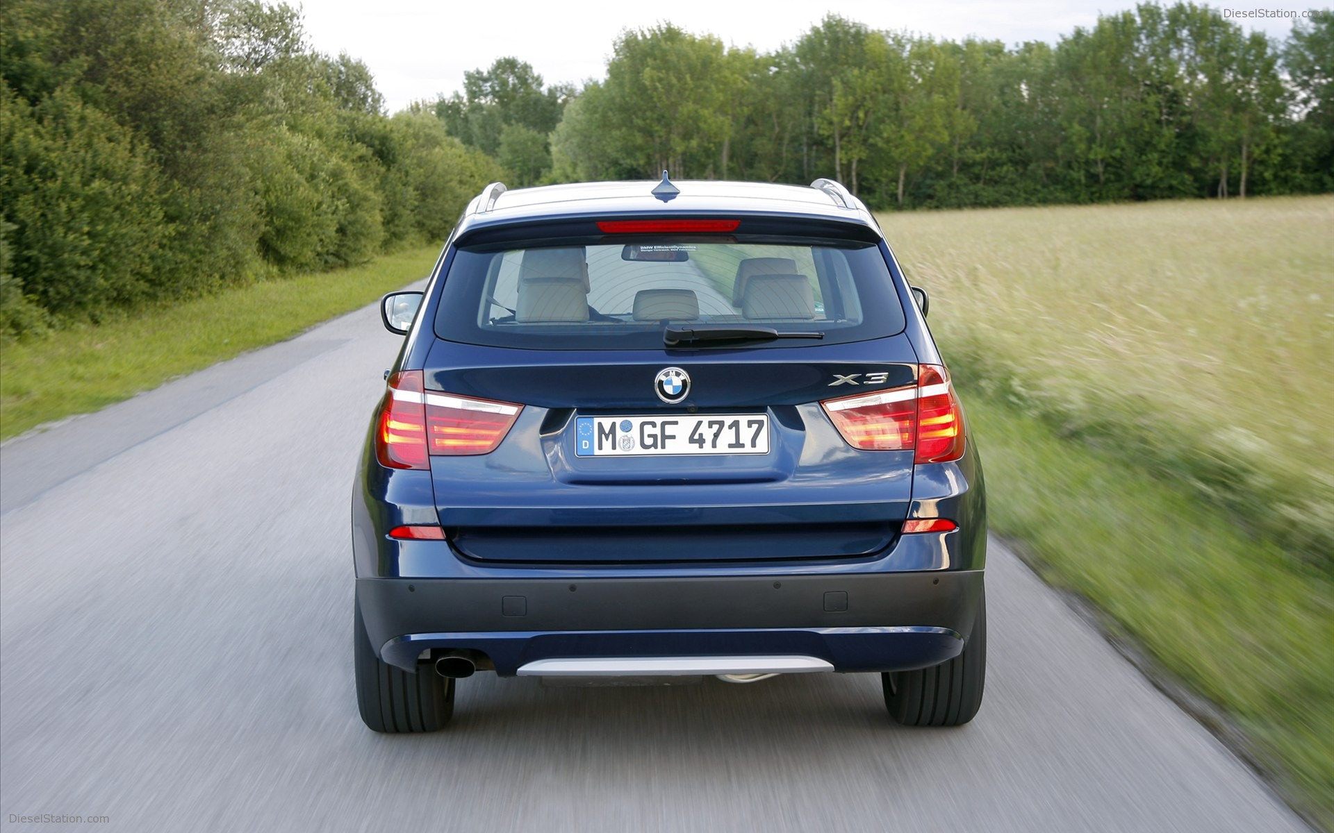 BMW X3 sDrive20i 2012 photo - 4