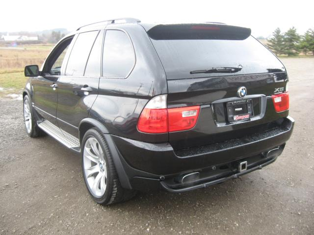 BMW X5 4.8is 2005 photo - 12