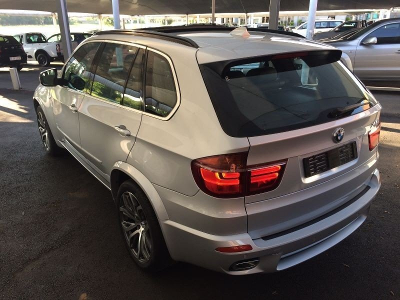 BMW X5 xDrive40d 2011 photo - 8