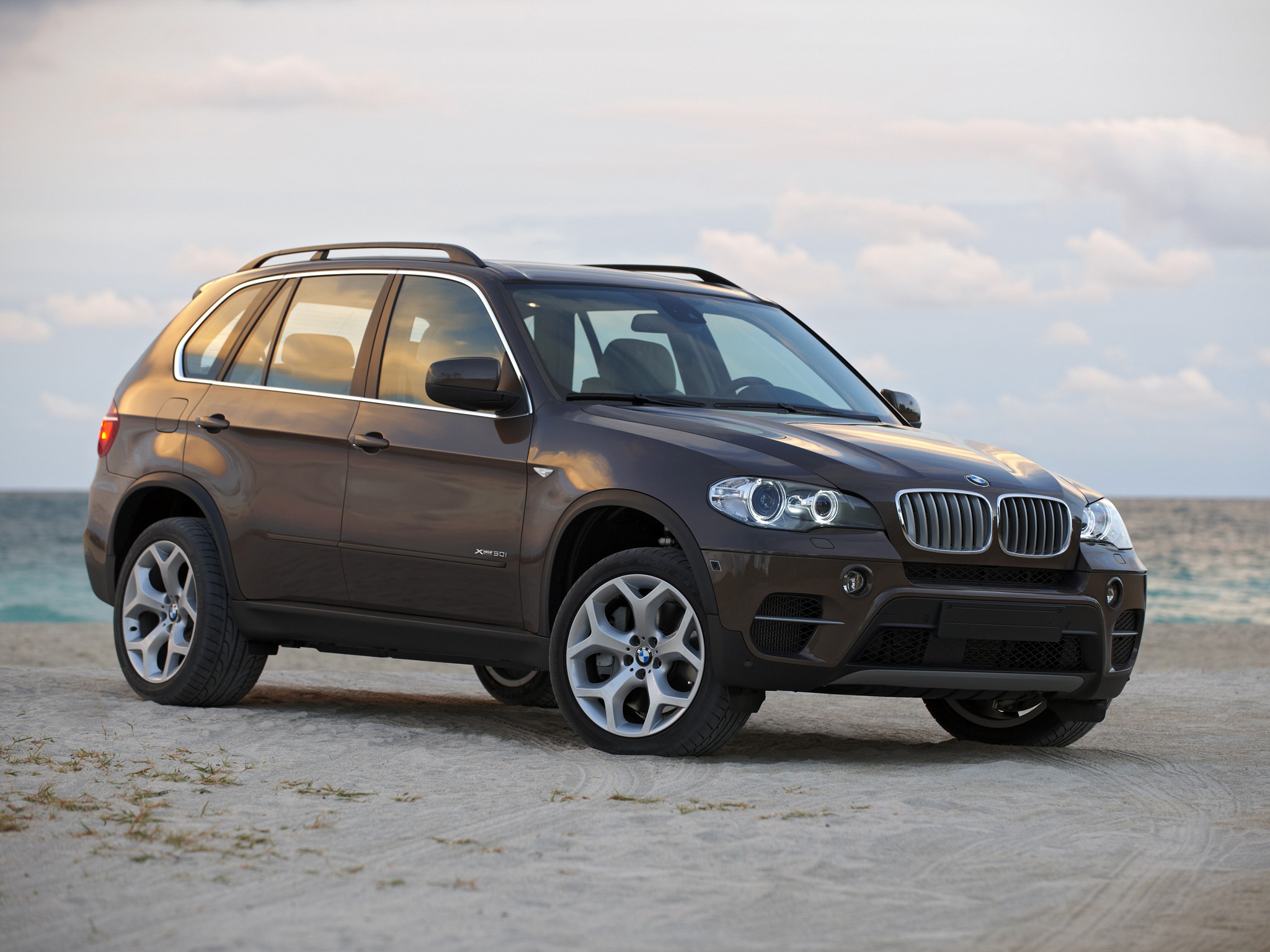 BMW X5 xDrive50i 2010 photo - 11
