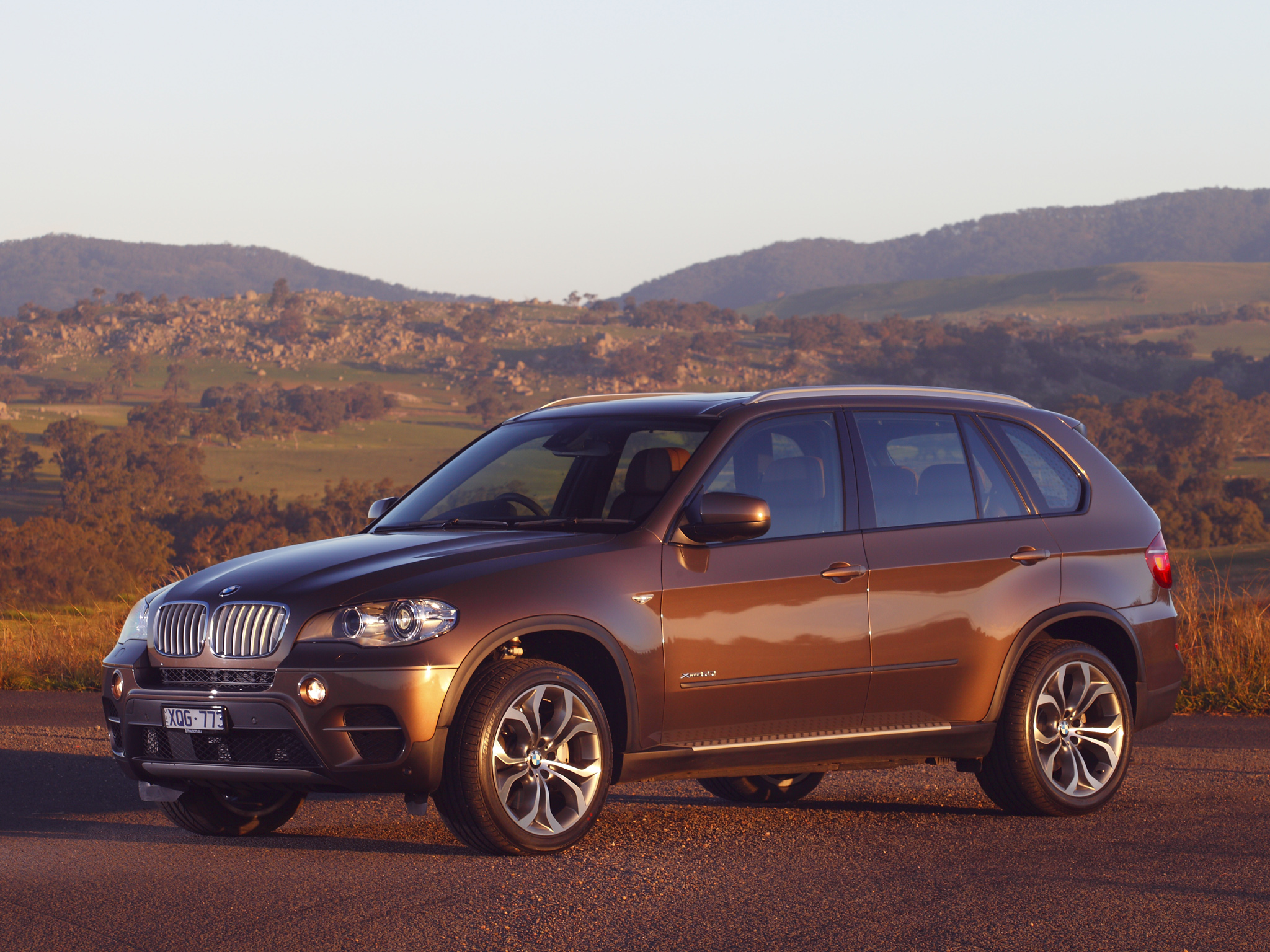 BMW X5 xDrive50i 2010 photo - 12