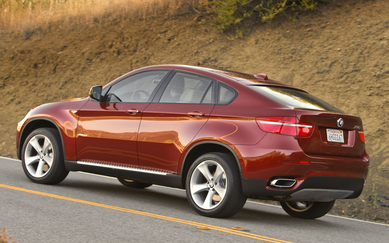 BMW X6 xDrive50i 2011 photo - 2