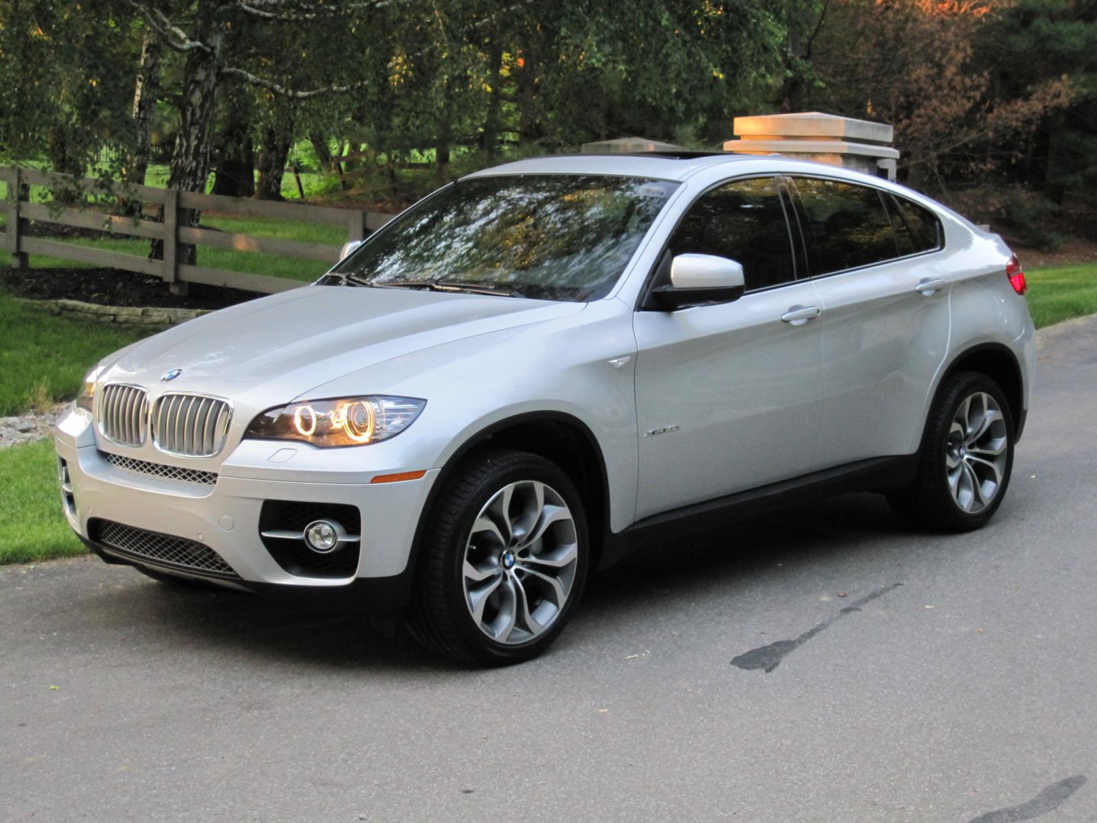 BMW X6 xDrive50i 2011 photo - 4