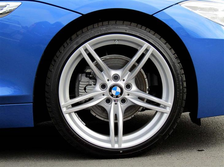 BMW Z4 sDrive18i 2011 photo - 10