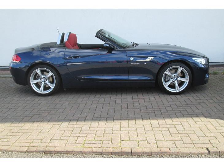 BMW Z4 sDrive18i 2011 photo - 3