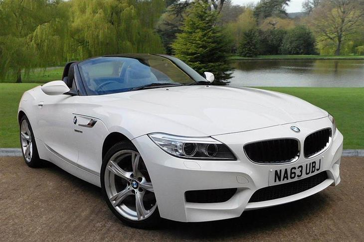 BMW Z4 sDrive18i 2011 photo - 4