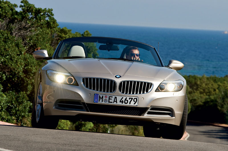 BMW Z4 sDrive20i 2011 photo - 8