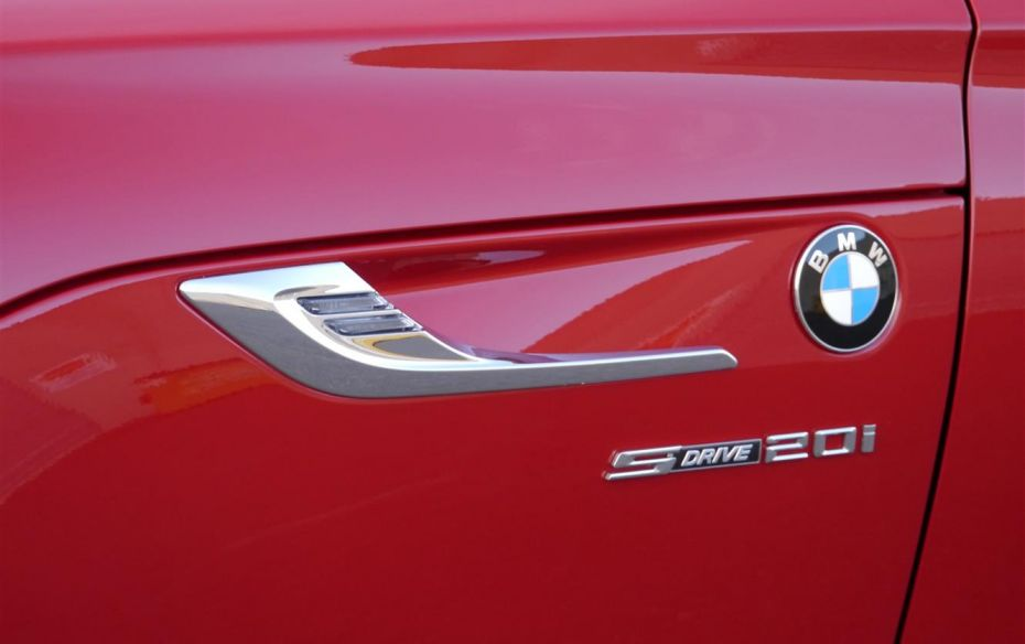 BMW Z4 sDrive20i 2013 photo - 12