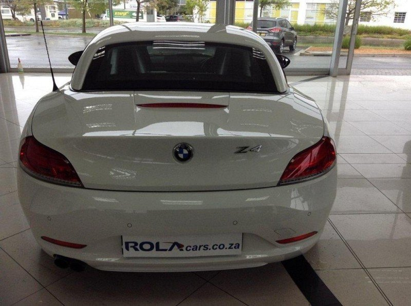 BMW Z4 sDrive20i 2013 photo - 9