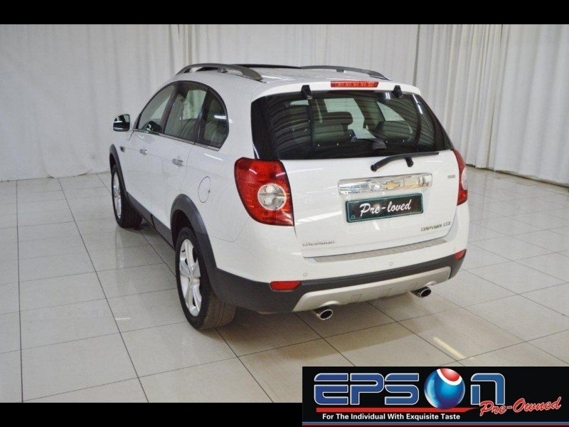 Chevrolet Captiva 3.0 2013 photo - 12