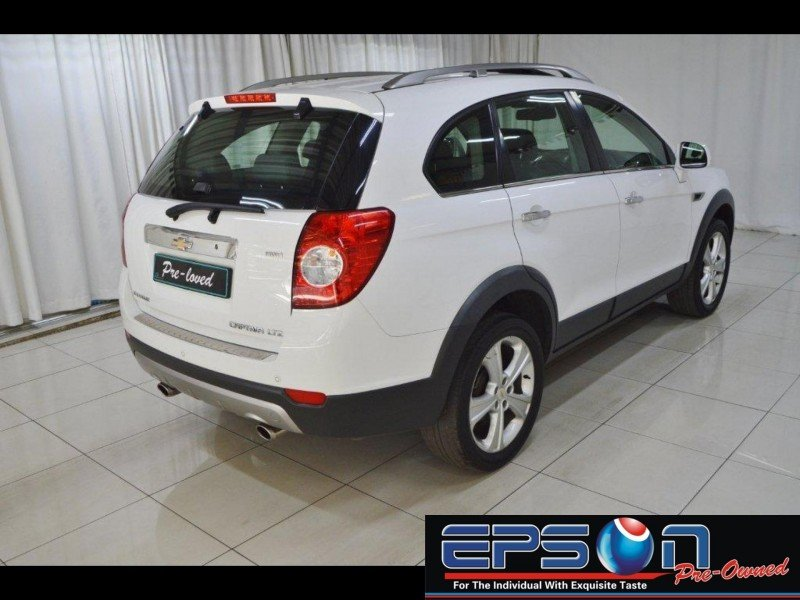 Chevrolet Captiva 3.0 2013 photo - 3