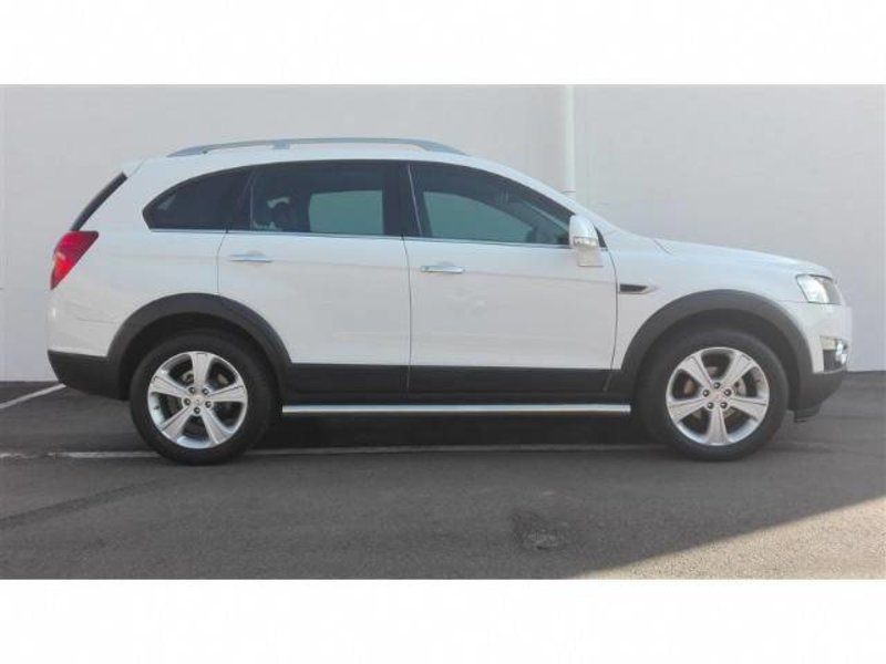 Chevrolet Captiva 3.0 2013 photo - 5
