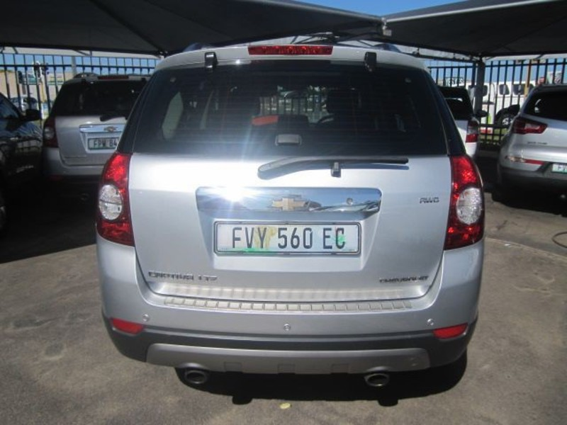 Chevrolet Captiva 3.0 2013 photo - 6