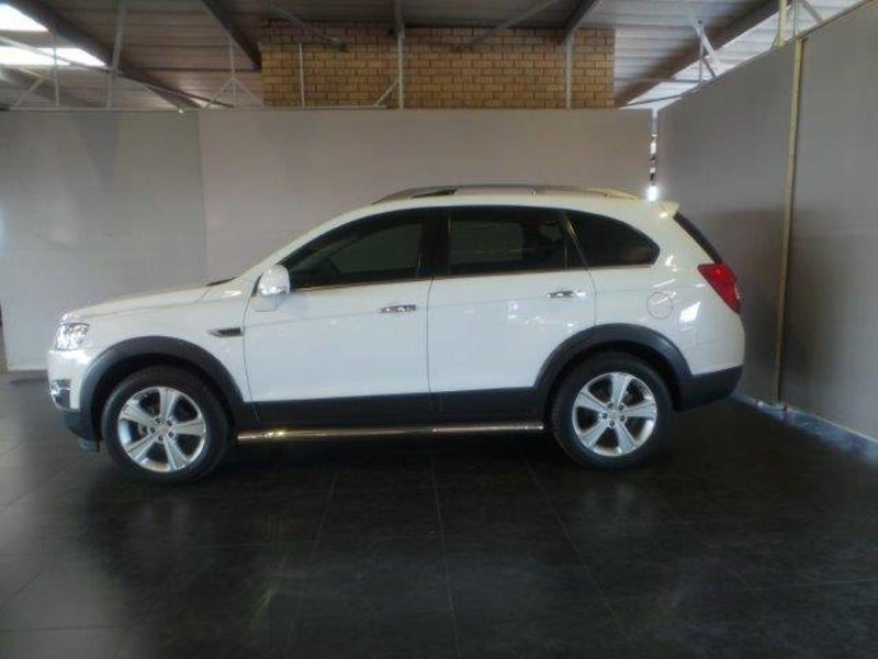 Chevrolet Captiva 3.0 2013 photo - 7