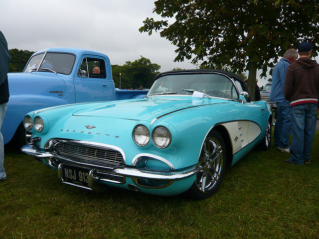 Chevrolet Corvette 4.6 1961 photo - 3