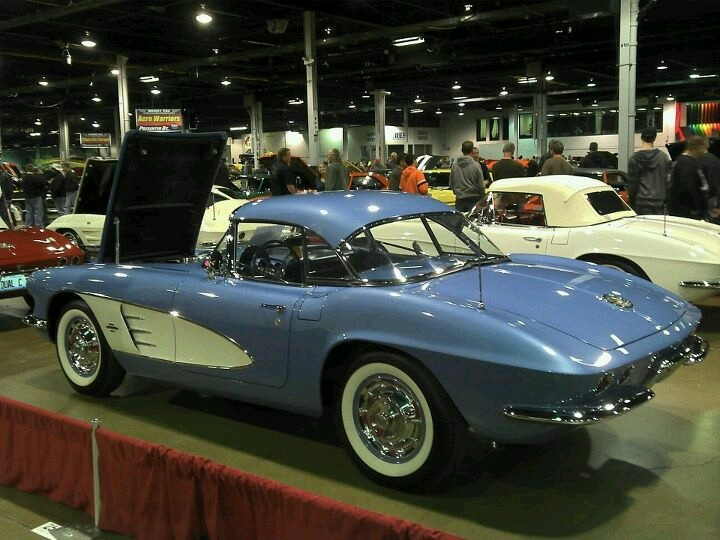 Chevrolet Corvette 4.6 1961 photo - 4