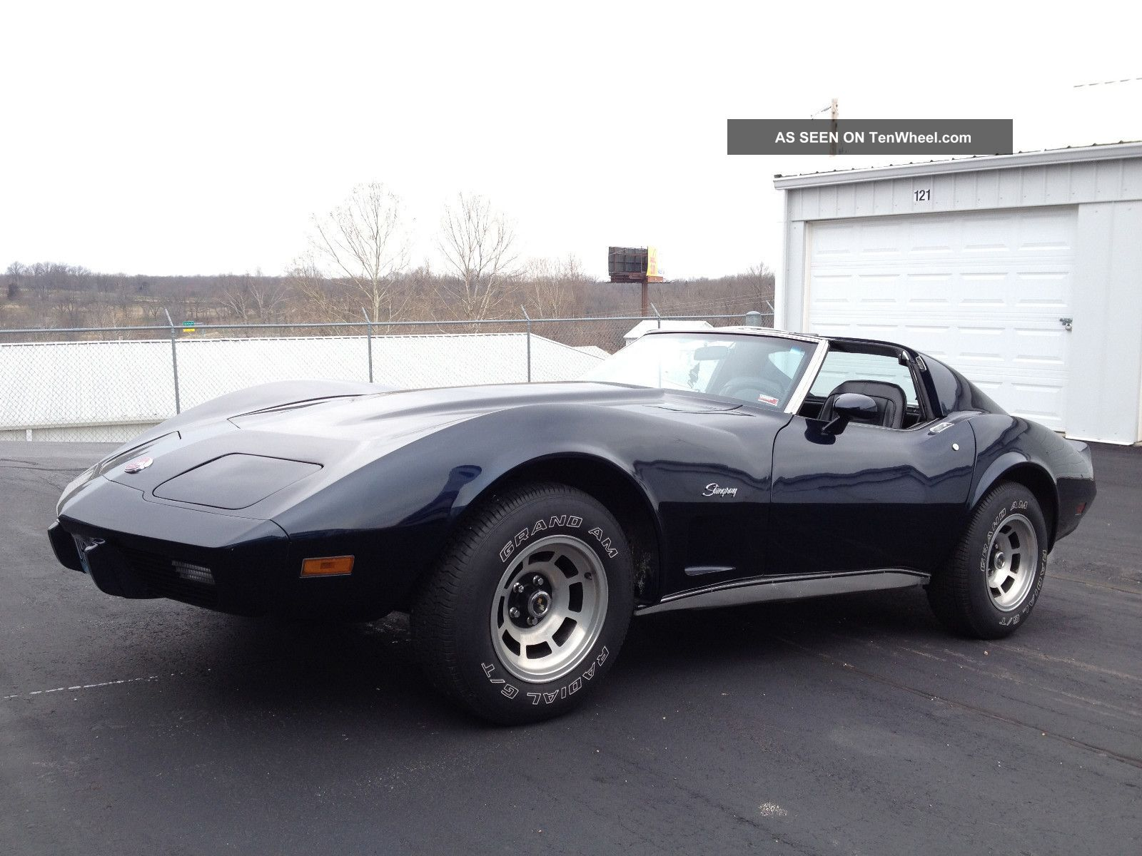 Chevrolet Corvette 5.7 1976 photo - 7