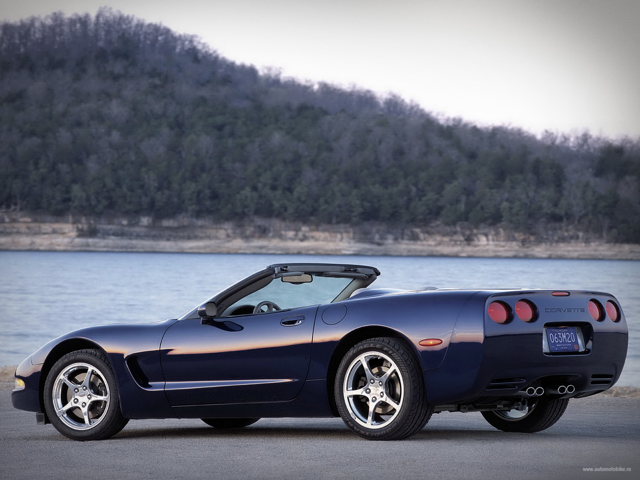 Chevrolet Corvette 5.7 1998 photo - 4