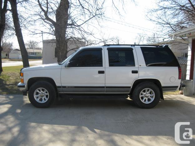 Chevrolet Tahoe 5.7 1995 photo - 2