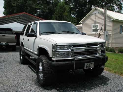 Chevrolet Tahoe 5.7 1995 photo - 4