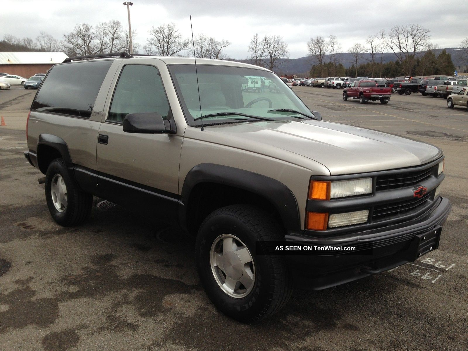 Chevrolet Tahoe 5.7 1999 photo - 2