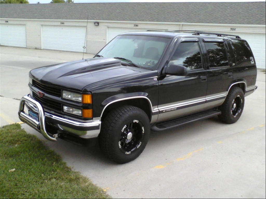 Chevrolet Tahoe 5.7 1999 photo - 5