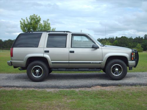 Chevrolet Tahoe 5.7 1999 photo - 9