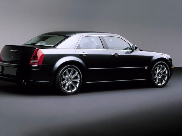 Chrysler 300C 2.7 2005 photo - 1