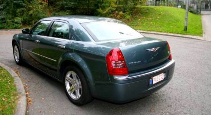 Chrysler 300C 2.7 2005 photo - 6