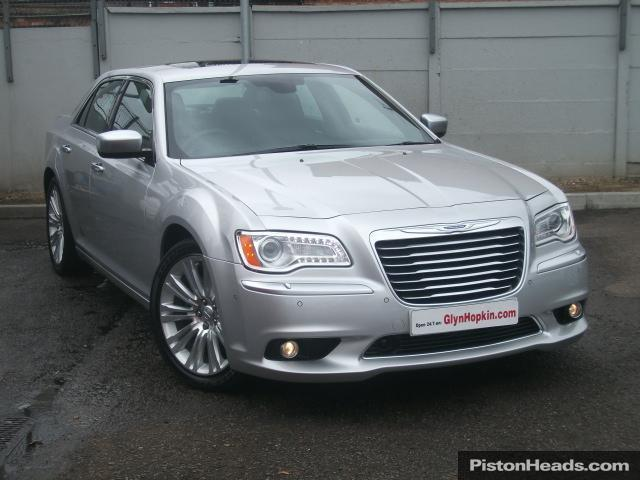 Chrysler 300C 3.0 2012 photo - 2