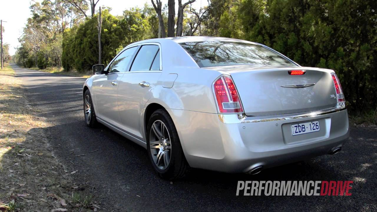 Chrysler 300C 3.0 2012 photo - 3