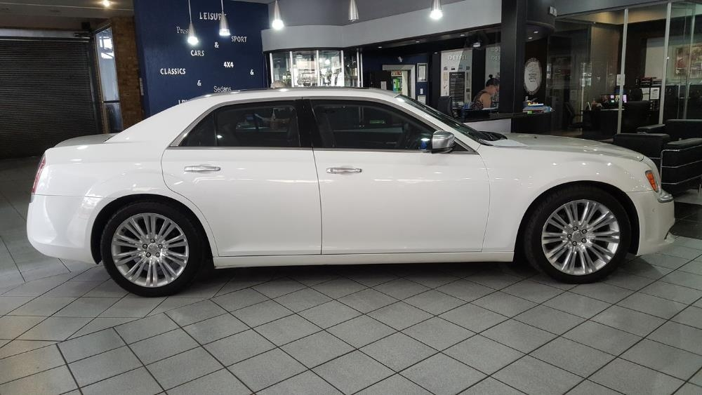 Chrysler 300C 3.0 2012 photo - 7