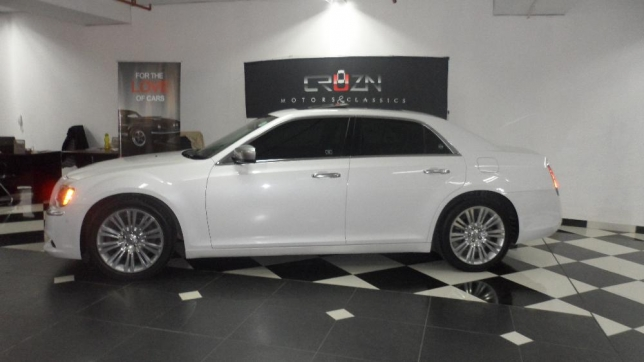 Chrysler 300C 3.6 2013 photo - 11