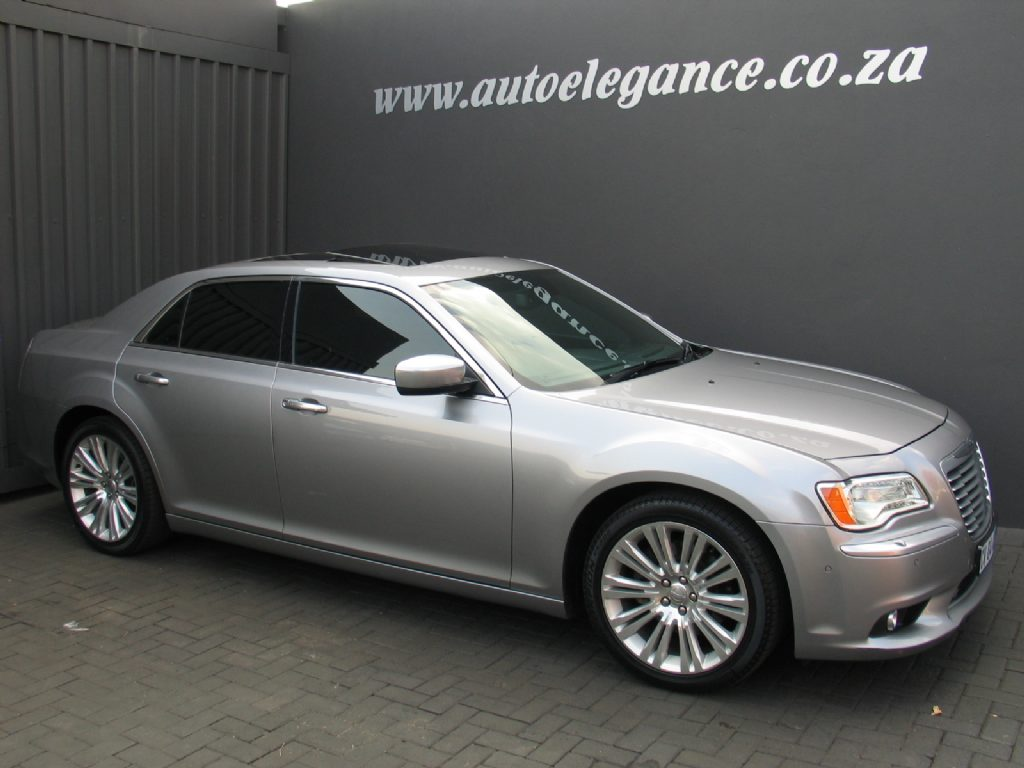 Chrysler 300C 3.6 2013 photo - 12