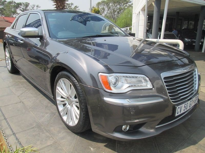 Chrysler 300C 3.6 2013 photo - 3