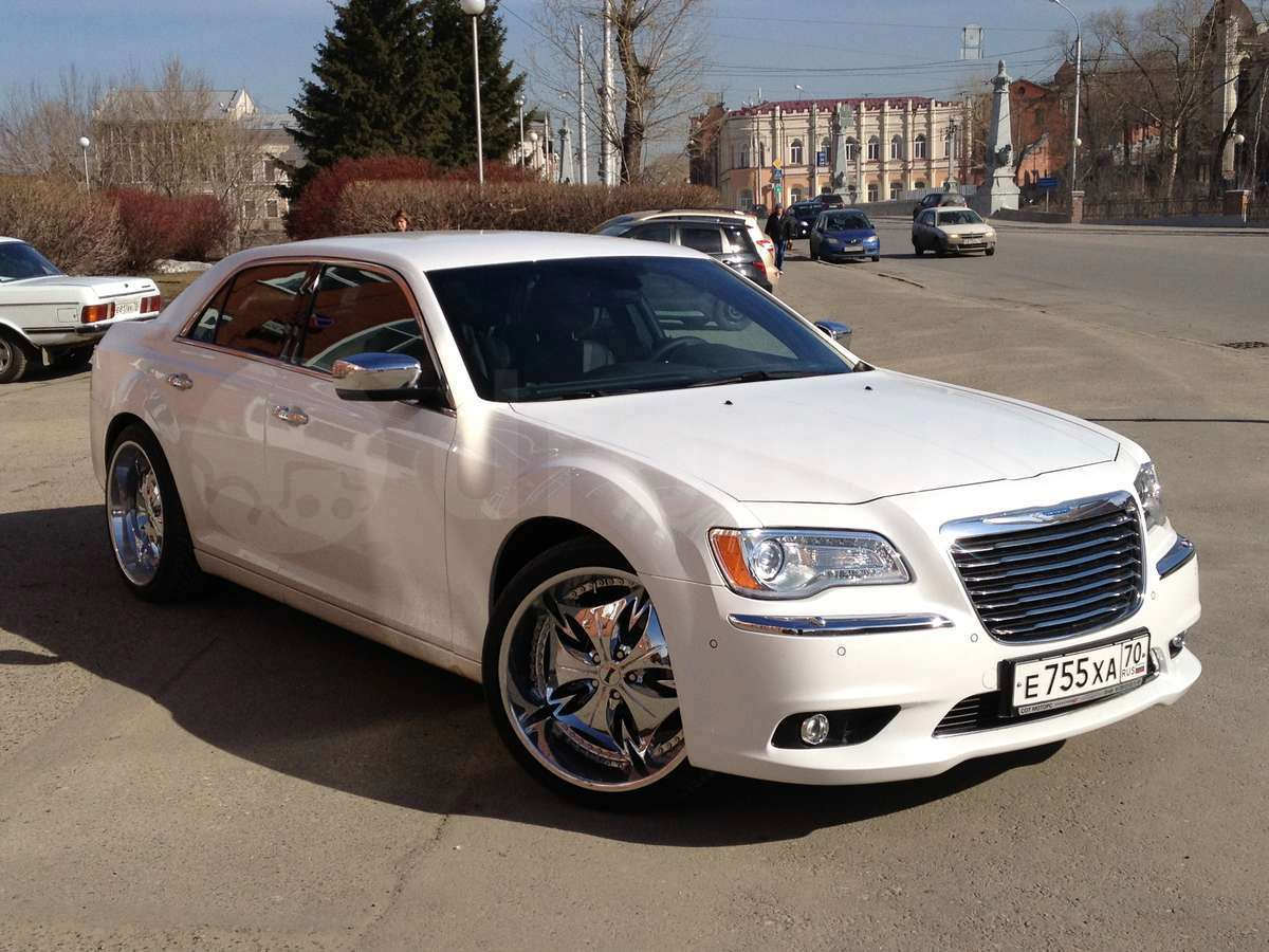 Chrysler 300C 3.6 2013 photo - 8