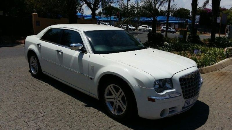 Chrysler 300C 5.7 2006 photo - 10