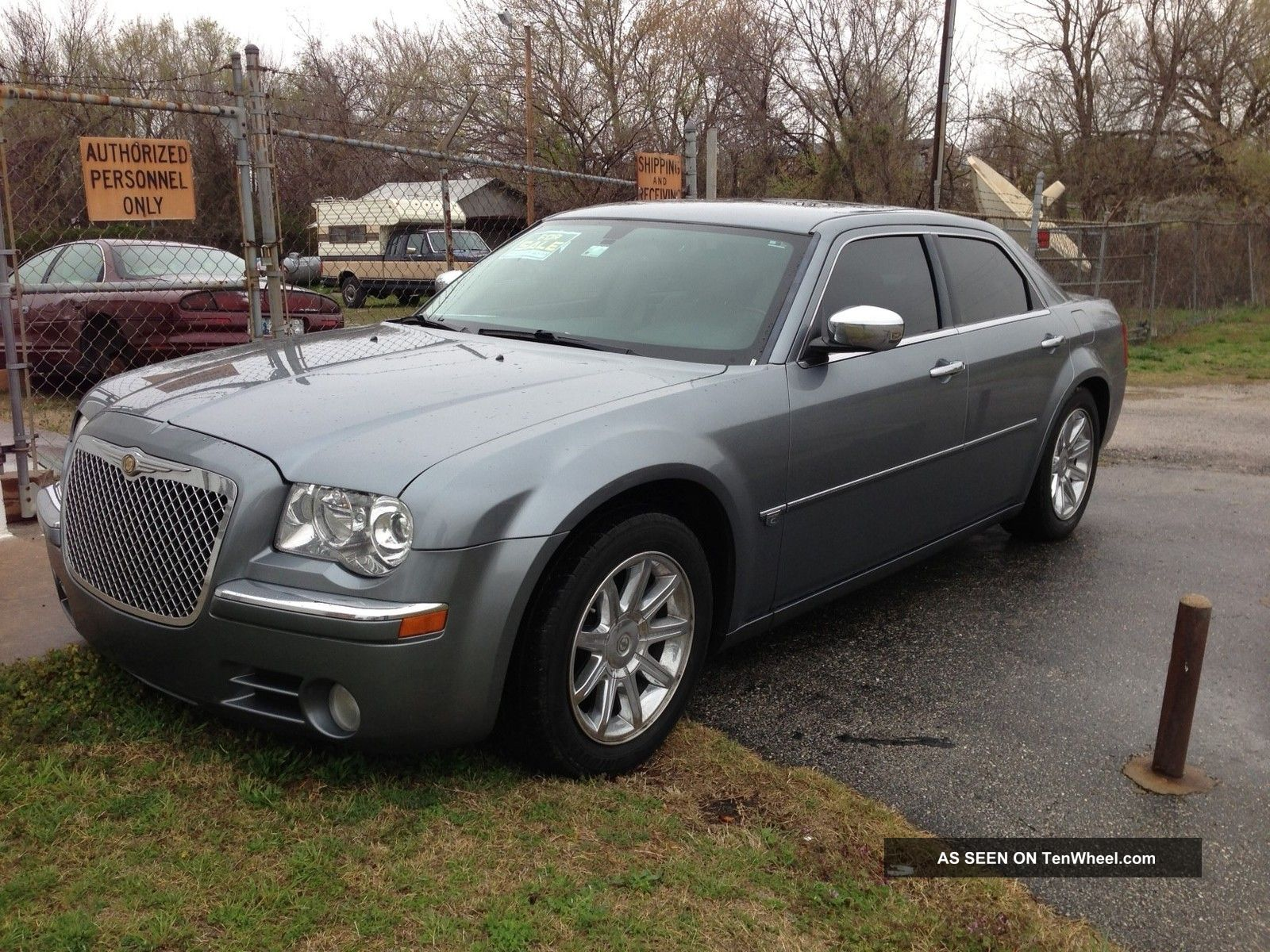 Chrysler 300C 5.7 2006 photo - 2