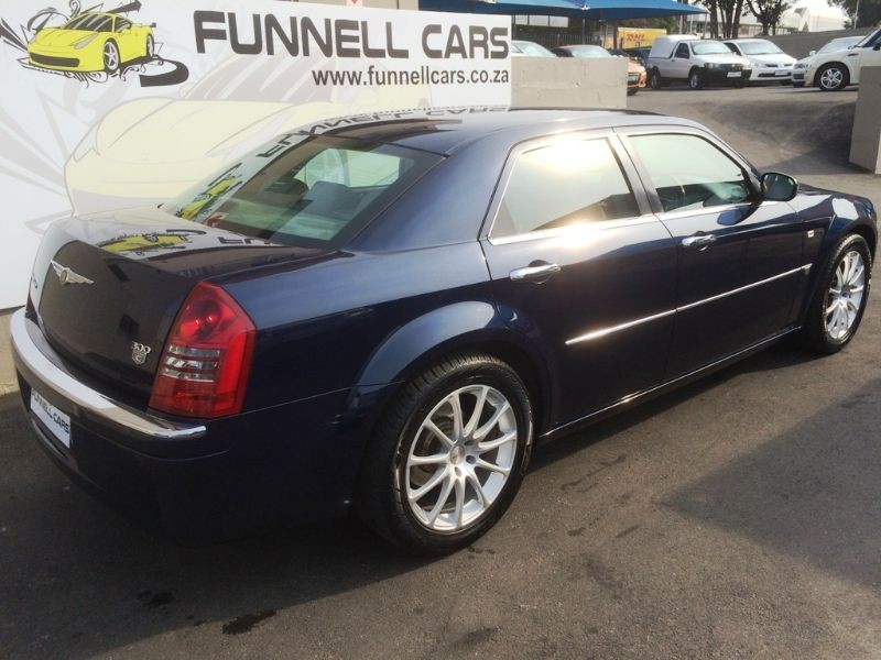 Chrysler 300C 5.7 2006 photo - 6