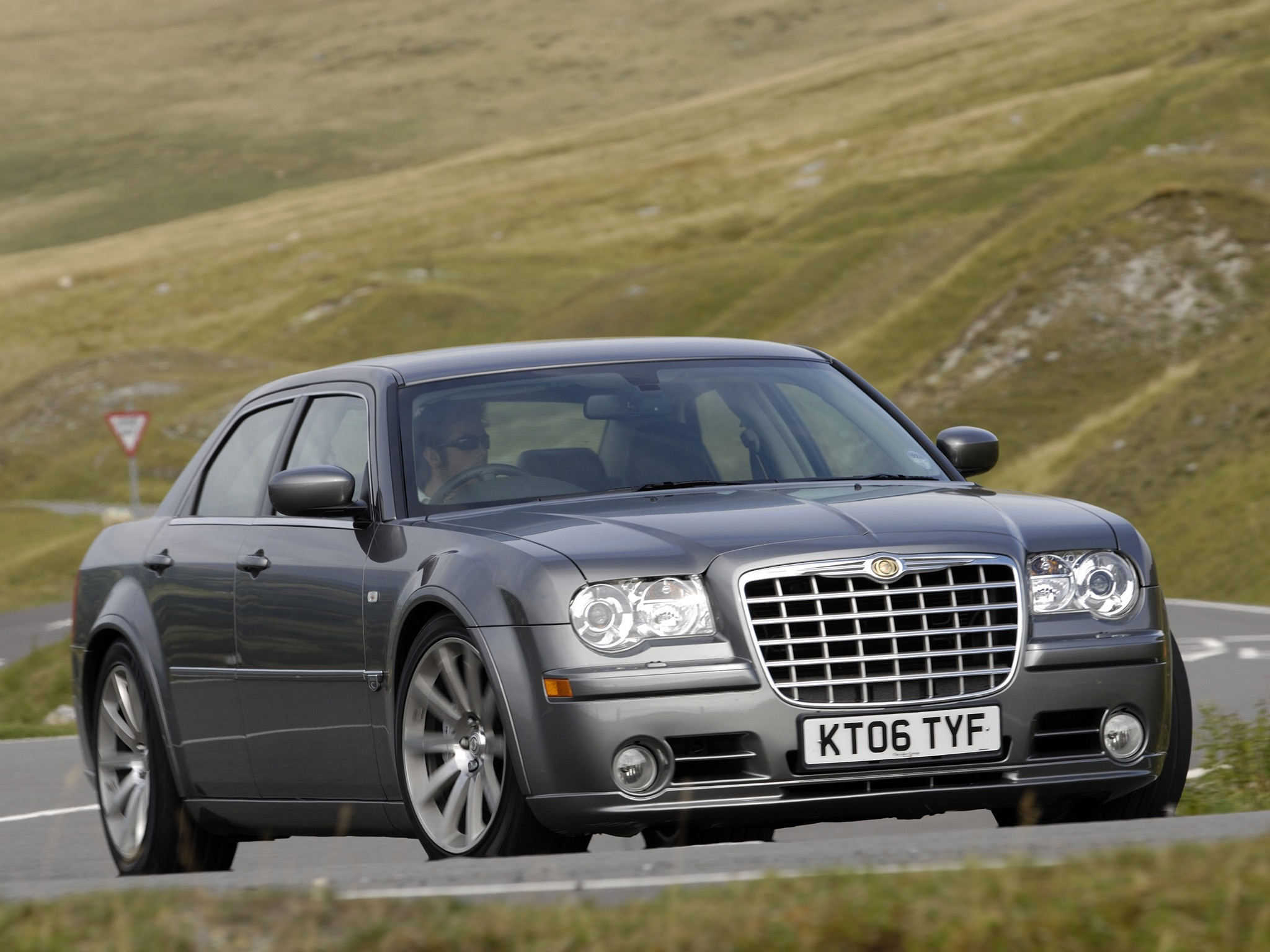 Chrysler 300C 6.1 2010 photo - 10