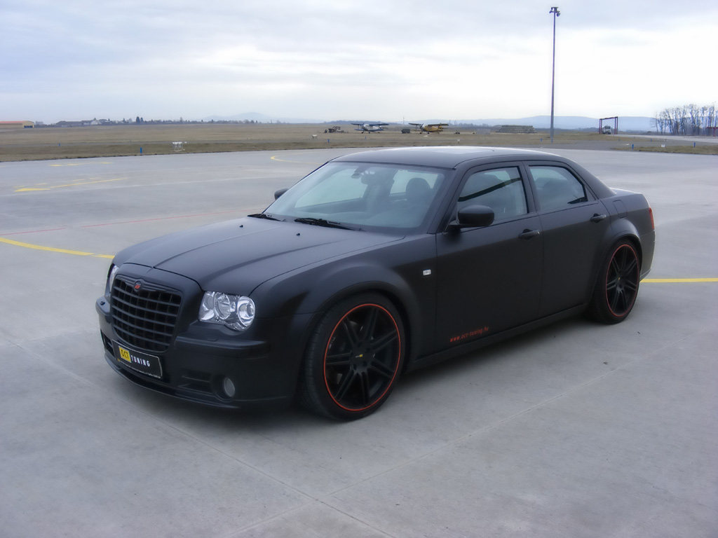 Chrysler 300C 6.1 2010 photo - 11