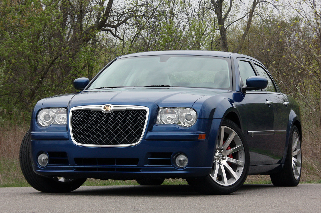 Chrysler 300C 6.1 2010 photo - 5