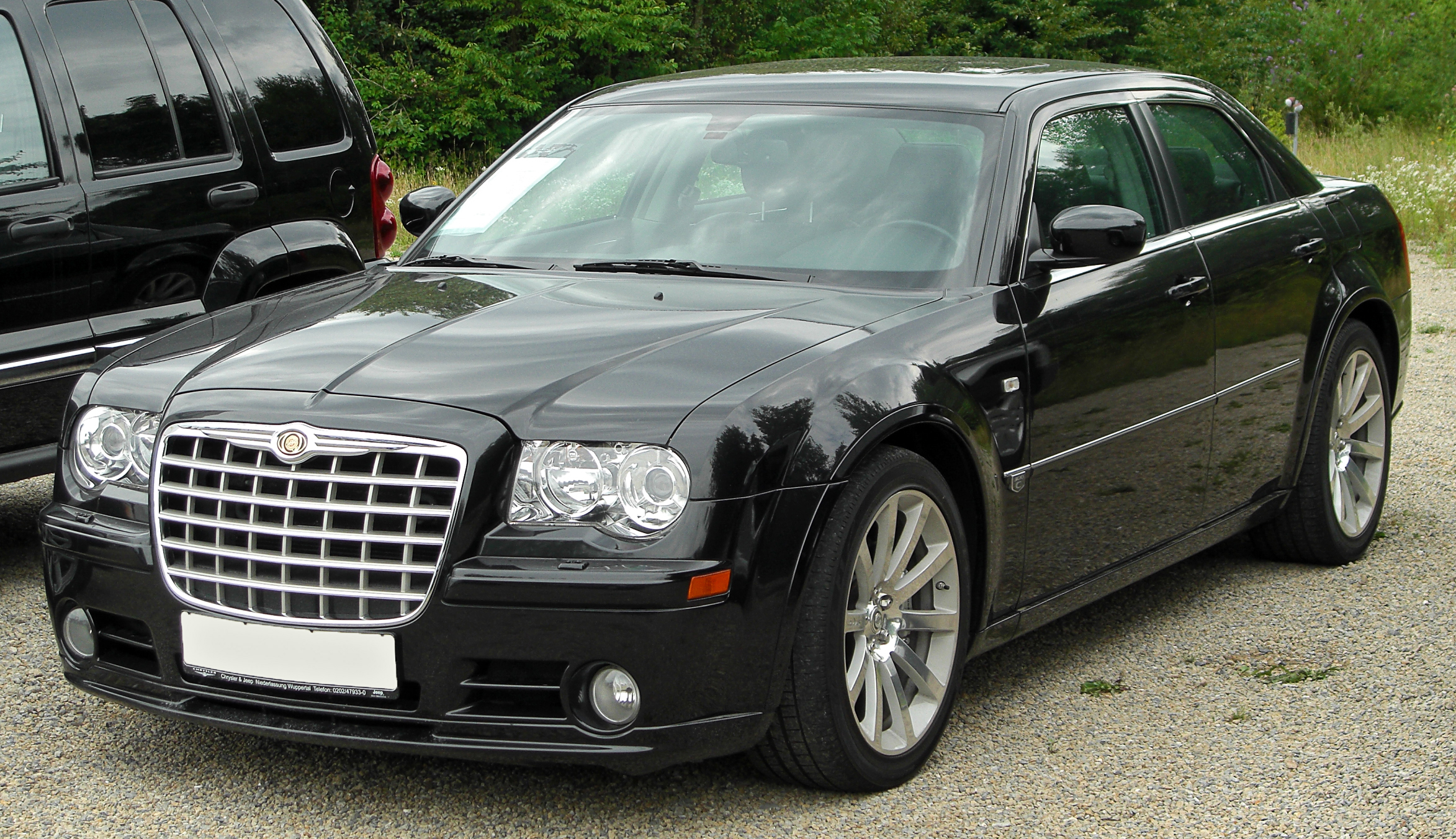 Chrysler 300C 6.1 2010 photo - 6